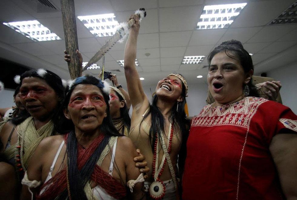 indigenen Völkern geholfe