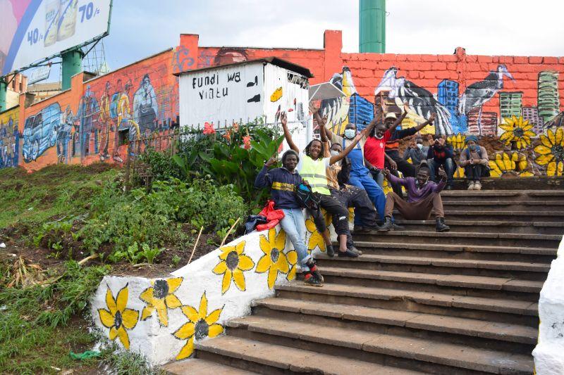Photo 6 of murals at Nairobi globe roundabout