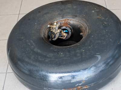 αλλαγή δεξαμενής go-gas με αντικατάσταση και πολυβαλβίδας