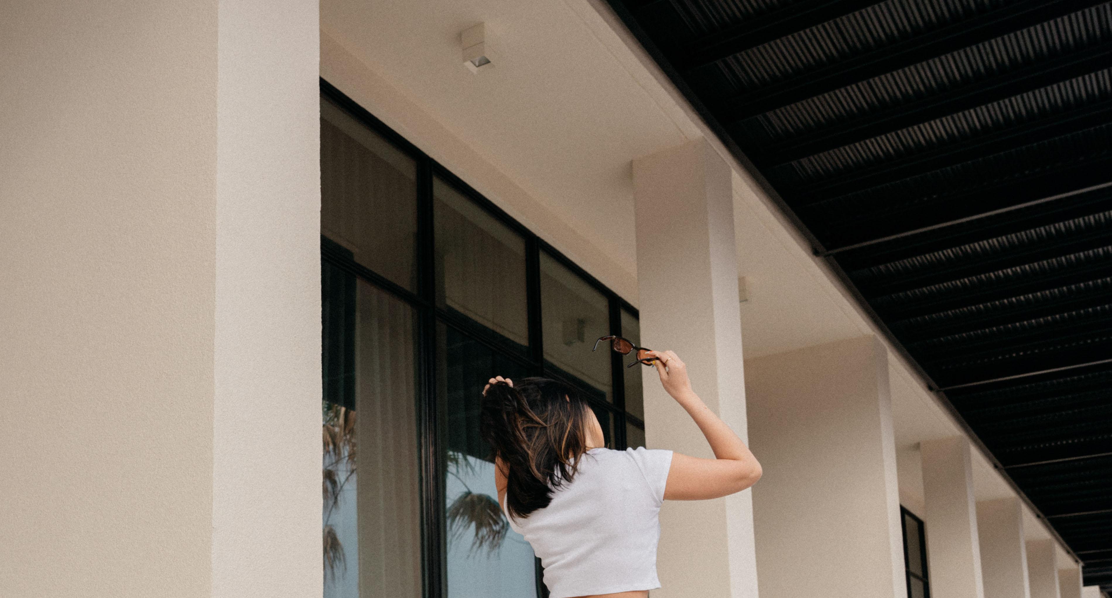 Alyssa flipping her hair