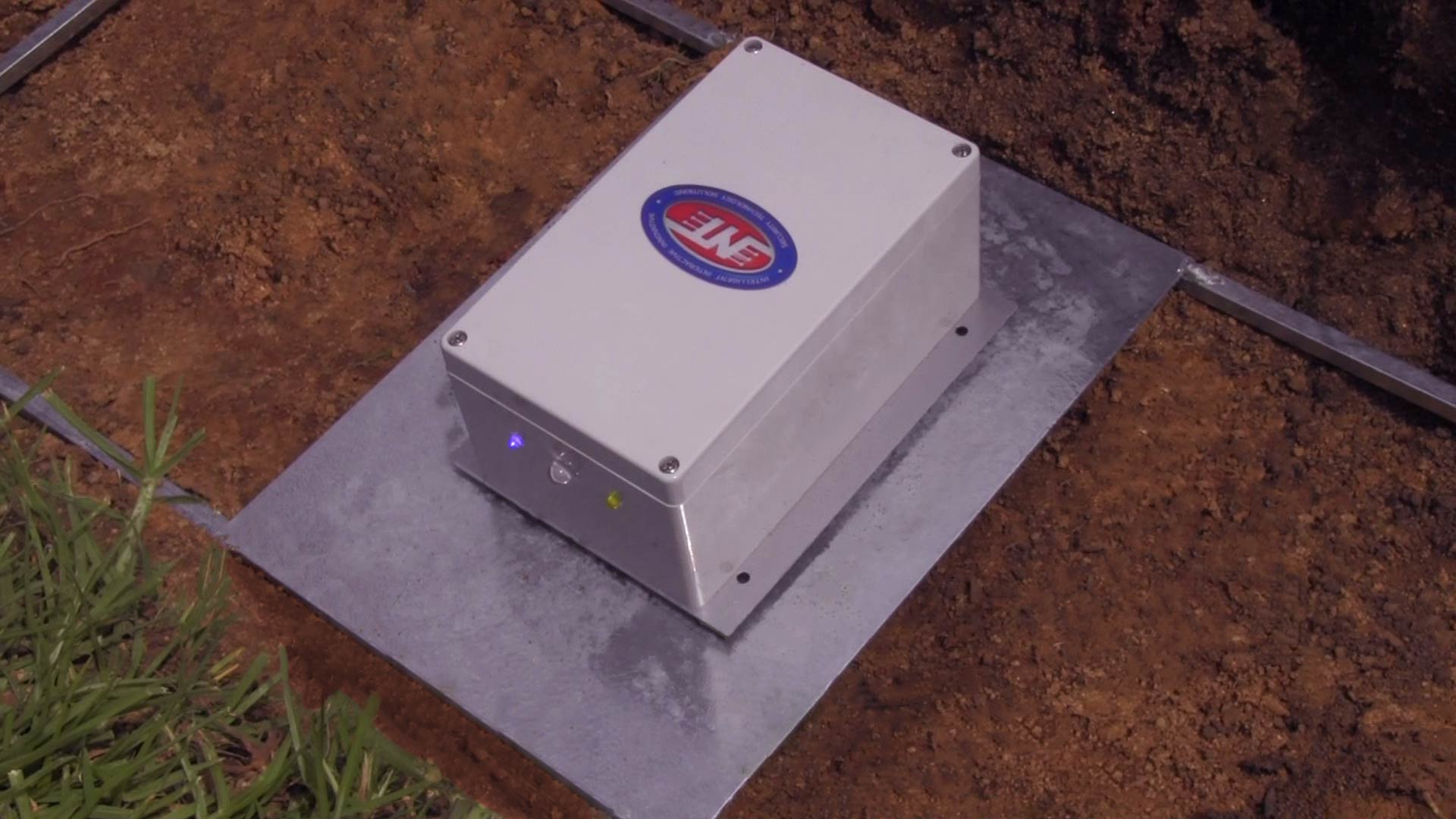 Underground Alarm That detect vibrations to send tamper alarms. Mostly Used to protect Underground power cables but its uses may vary