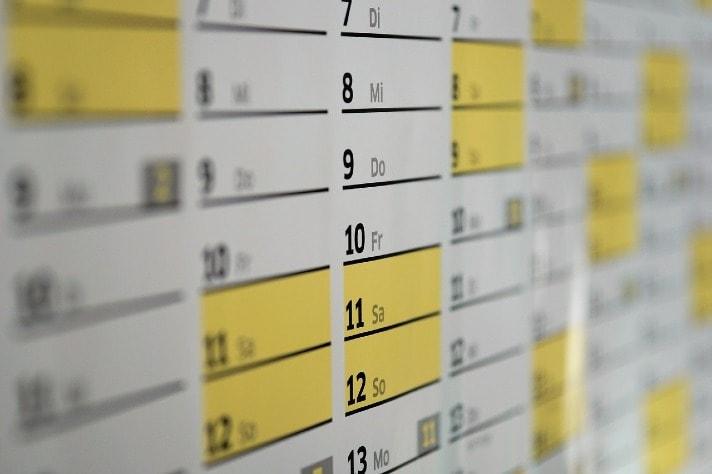 calendar saturday sunday highlight in yellow