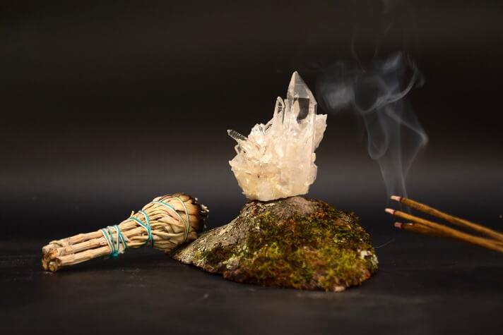 photo-of-rock-crystals-sage-minerals-incense-pierre
