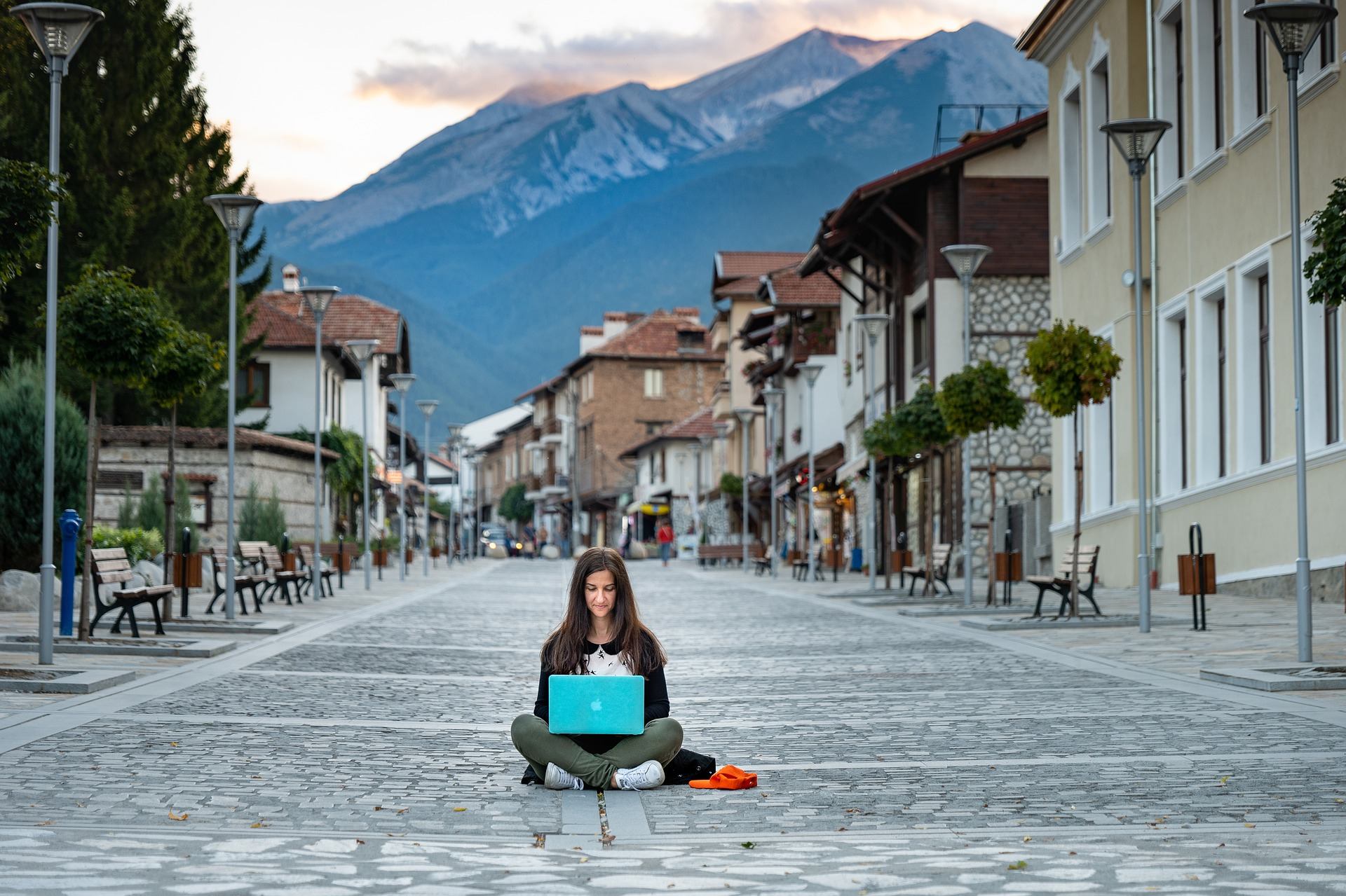 Digital Nomads - With Consolto Video chat