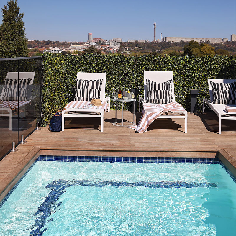 Home Suite Hotels Pool Poolside living Luxury Comfort Hotel Summer