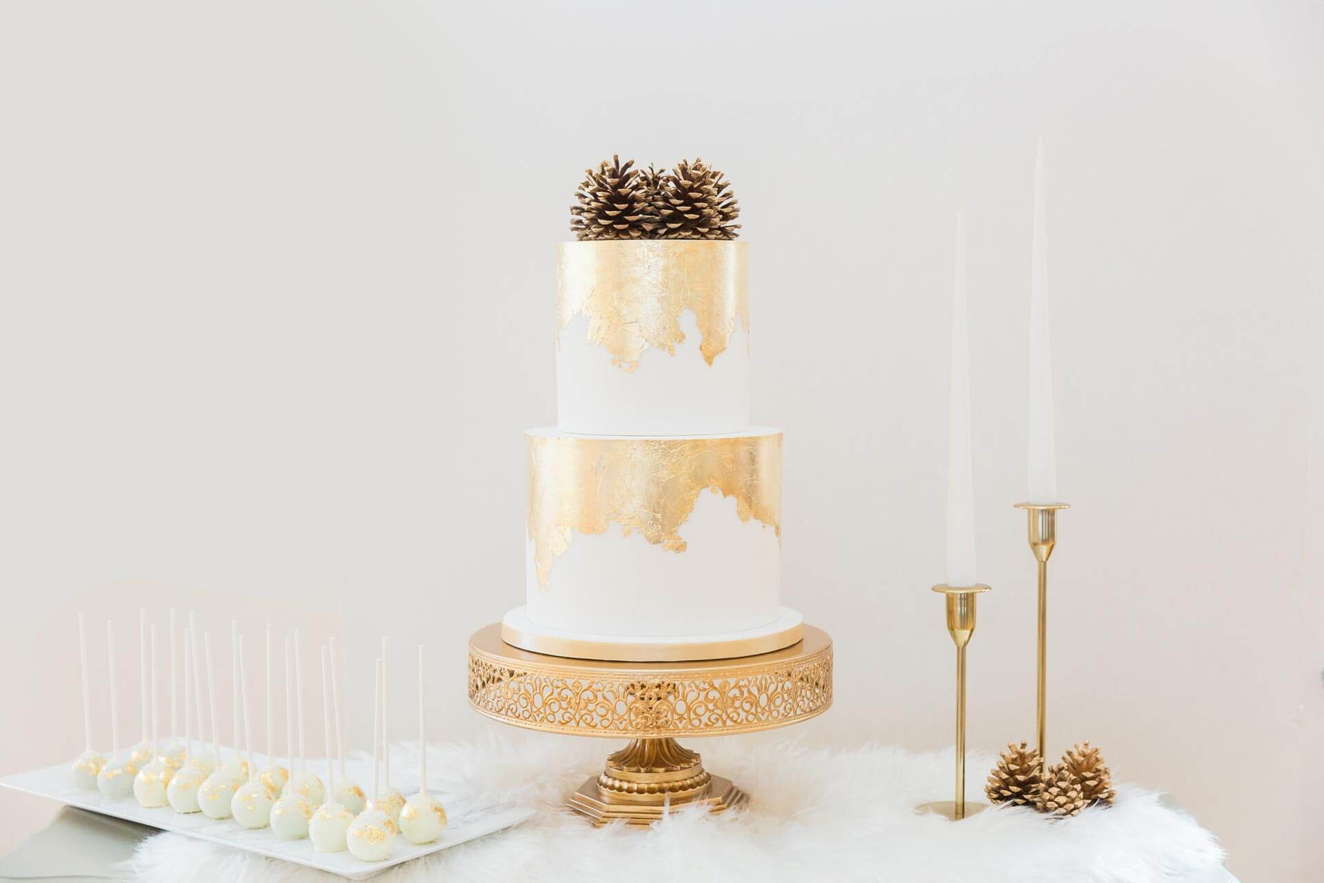 Luxury Winter Wedding Cake | By Posh & Cake