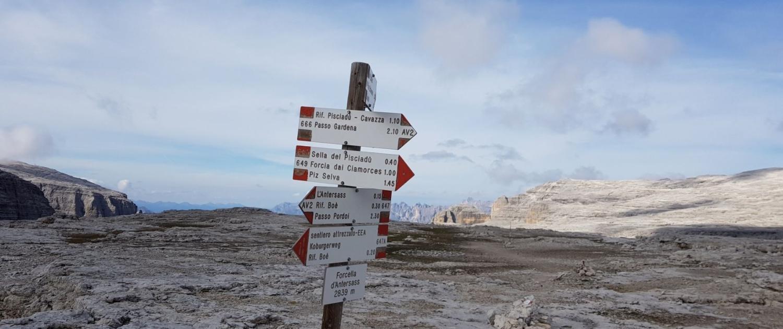 Vorbereitung Weitwanderweg - Markierte Wege auf der Sellahochfläche