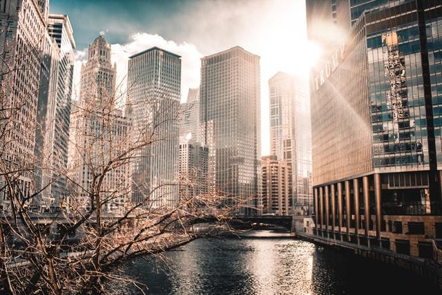 33 Realty brokers sale of Weyland building in Chicago