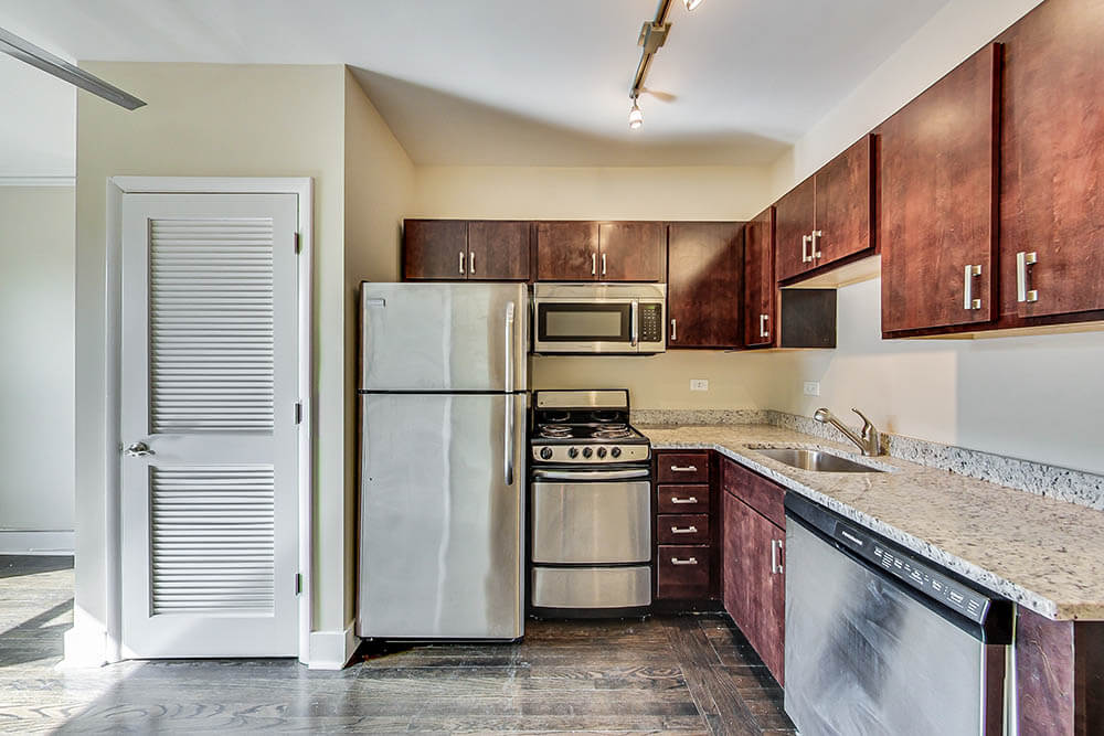 Chicago Flats Leasing
