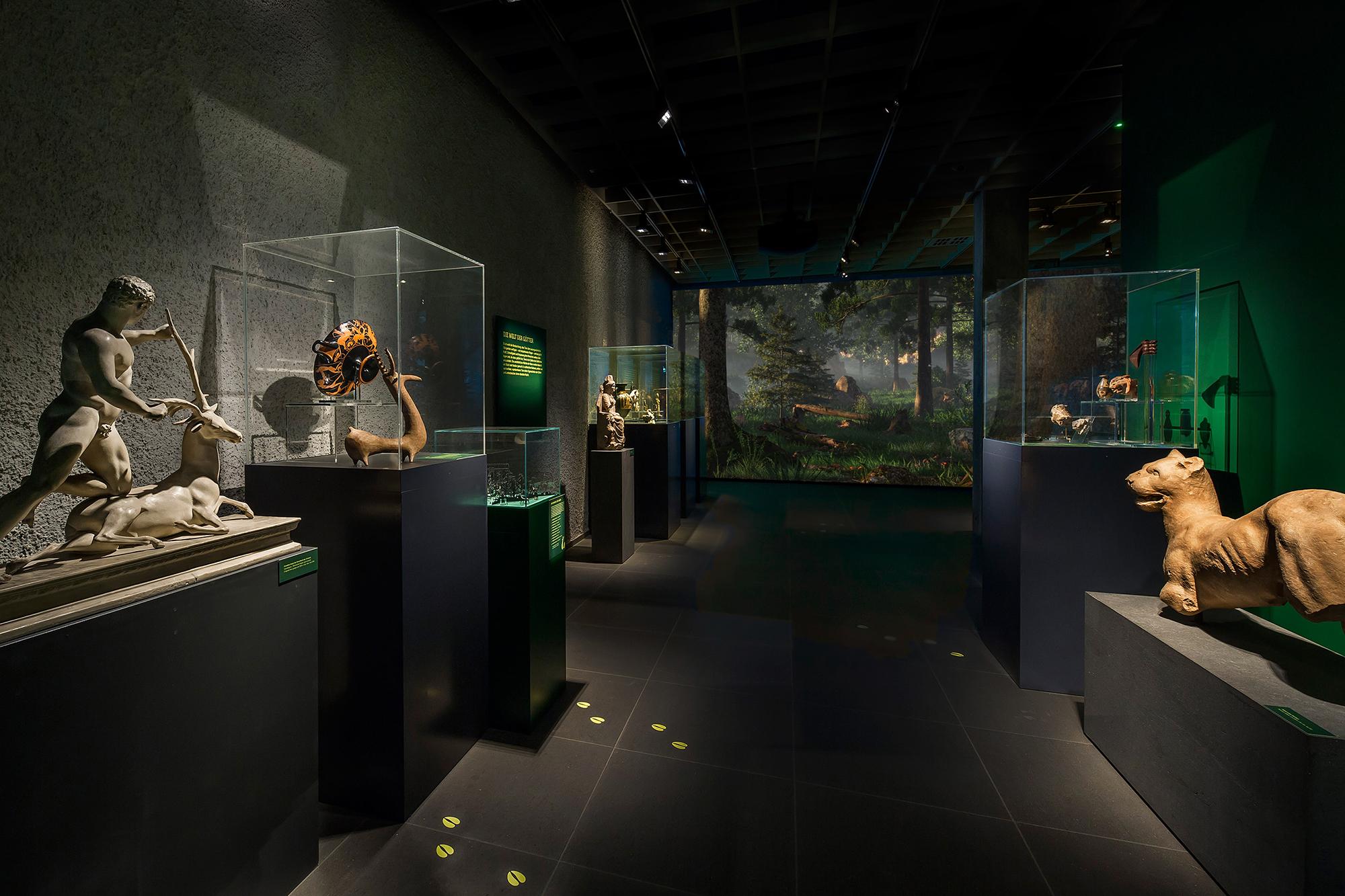 Neue Ausstellung «tierisch! Tiere und Mischwesen in der Antike»