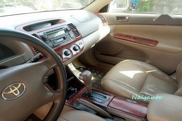Dashboard view of the 2003 Toyota Camry