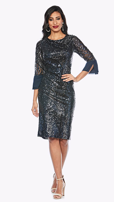Beaded mid-length dress with round neckline and 3/4 sleeves