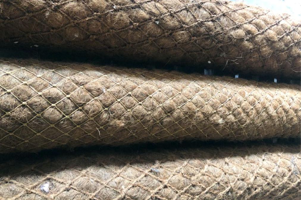 Kokosovi valji za stabilizacijo in preprečevanje erozije