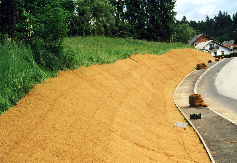 Protierozijska zaščita brežin - kokosova mreža - Sanacija brežine