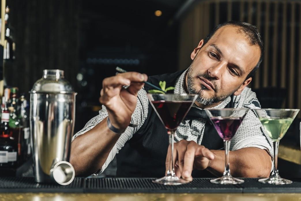 Leçon n°2 : adoptez les bons gestes cocktails !