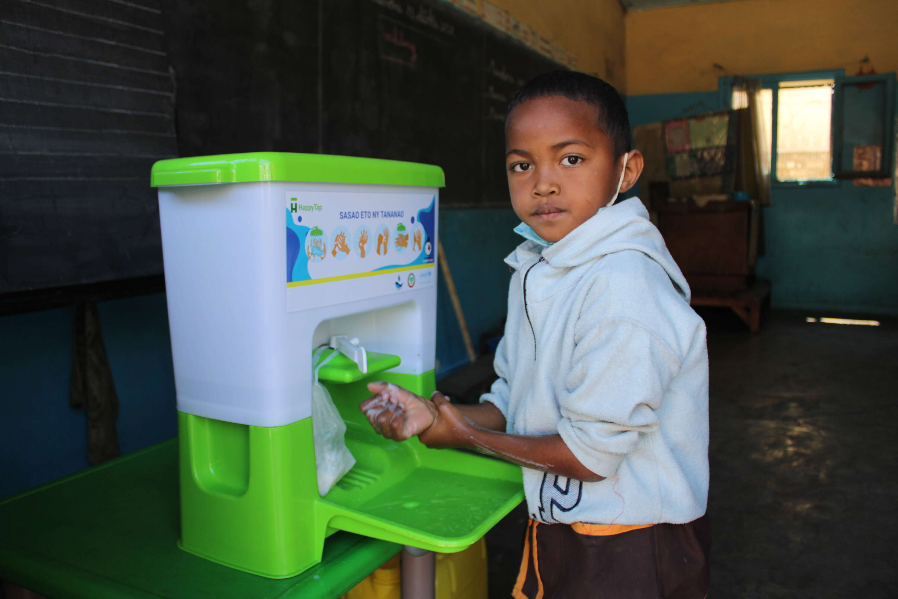 Global Handwashing Day 2021 - How are we putting handwashing within reach for students and teachers? A spotlight on Madagascar.