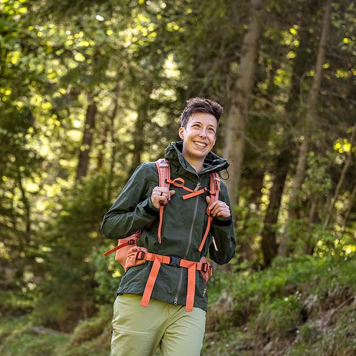 Woman Hiking in Sasta Peski Jacket
