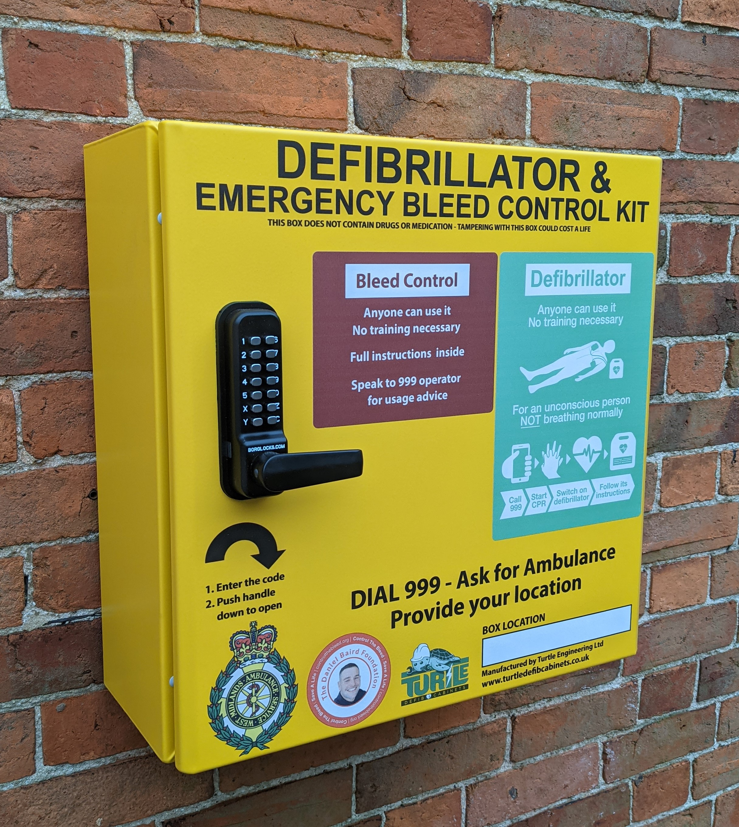 Turtle Engineering Defibrillator and Bleed Control Combined Outdoor Heated Locked Cabinet