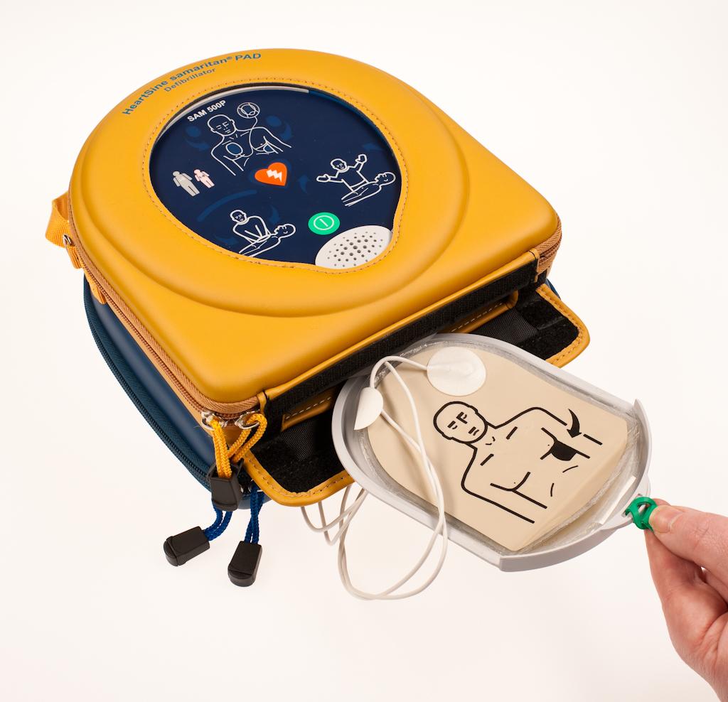 Heartsine Samaritan 500P Semi Automatic Defibrillator with CPR Advisor and adult pads
