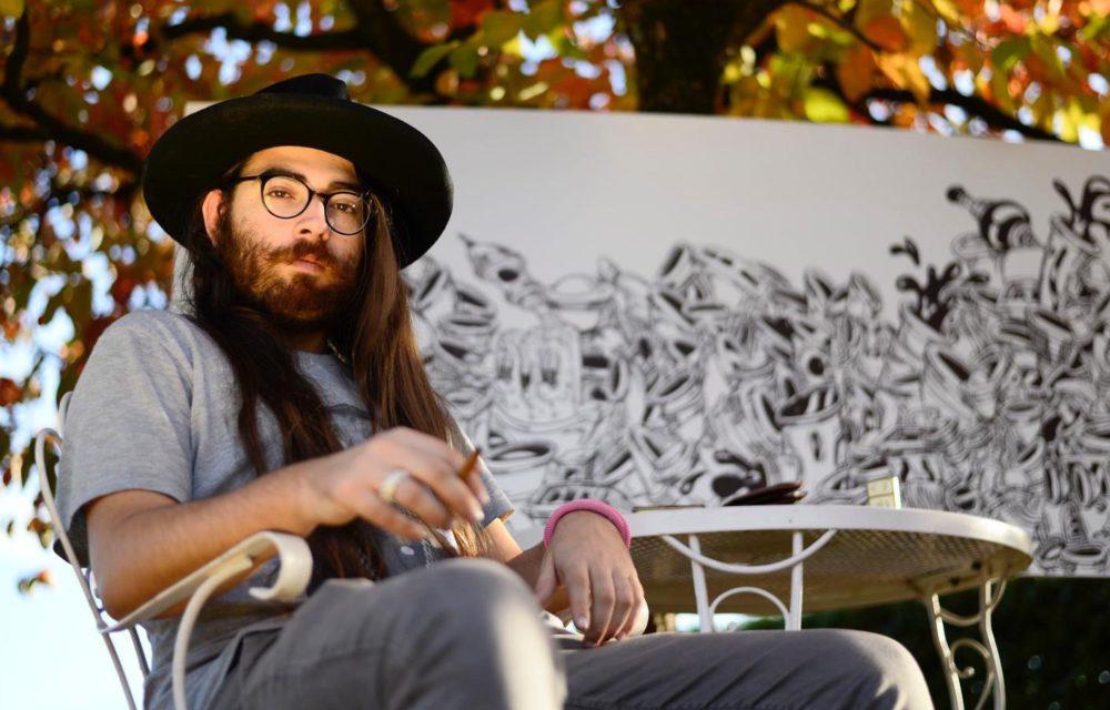 L'artista che sogna la Pop Art e disegna Manhattan. Le linee di WARO si intersecano per creare mondi paralleli fatti di città galleggianti e personaggi che attingono dal vero.