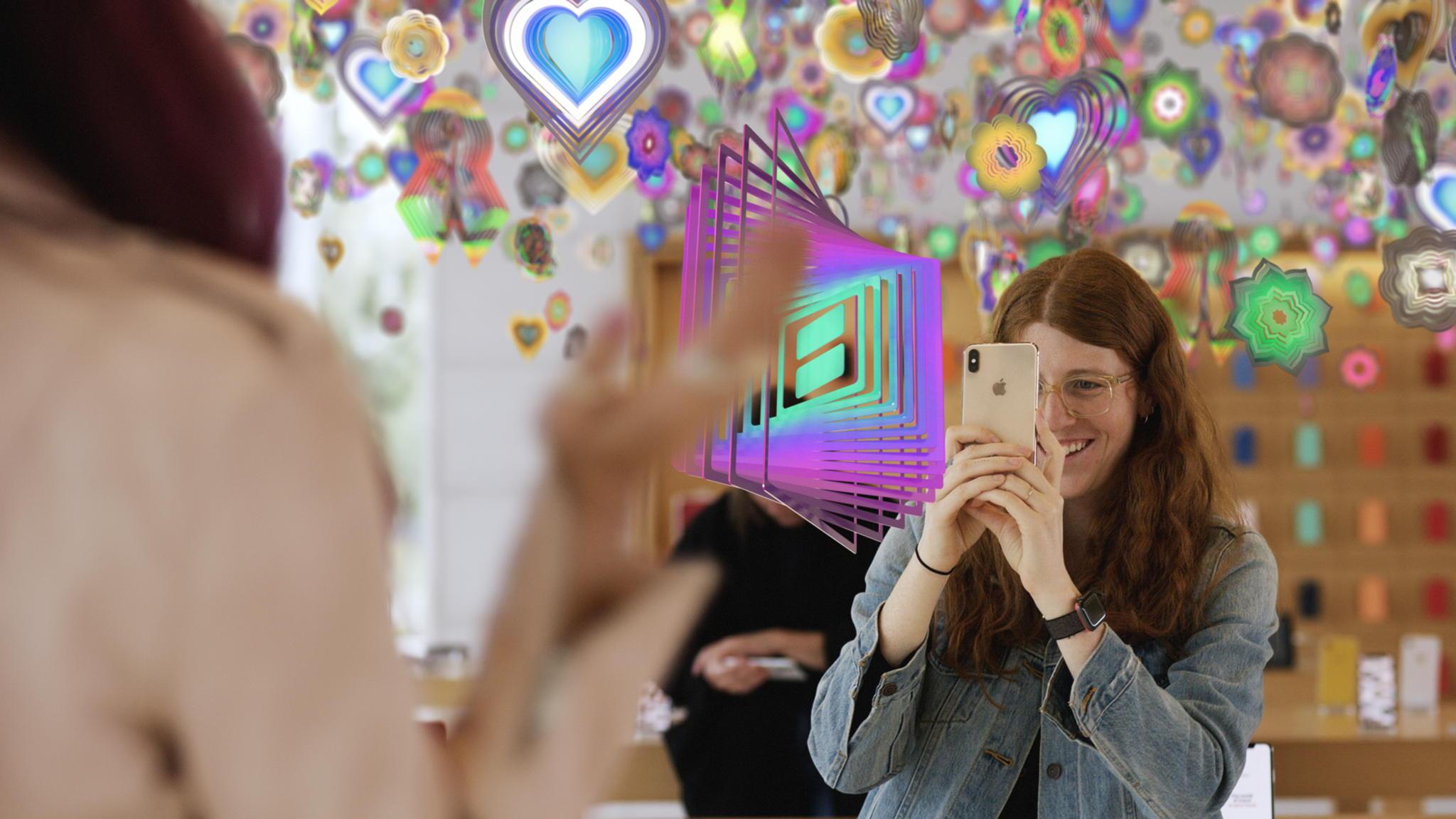 La realtà aumentata sta diventando un vero e proprio strumento di creazione e distribuzione delle opere per gli artisti e gallerie e musei. Ma cosa può offrire al mondo dell'arte?