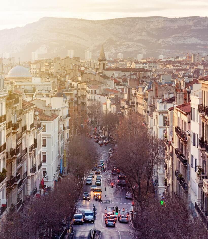 Vue aérienne d'une rue à Marseille