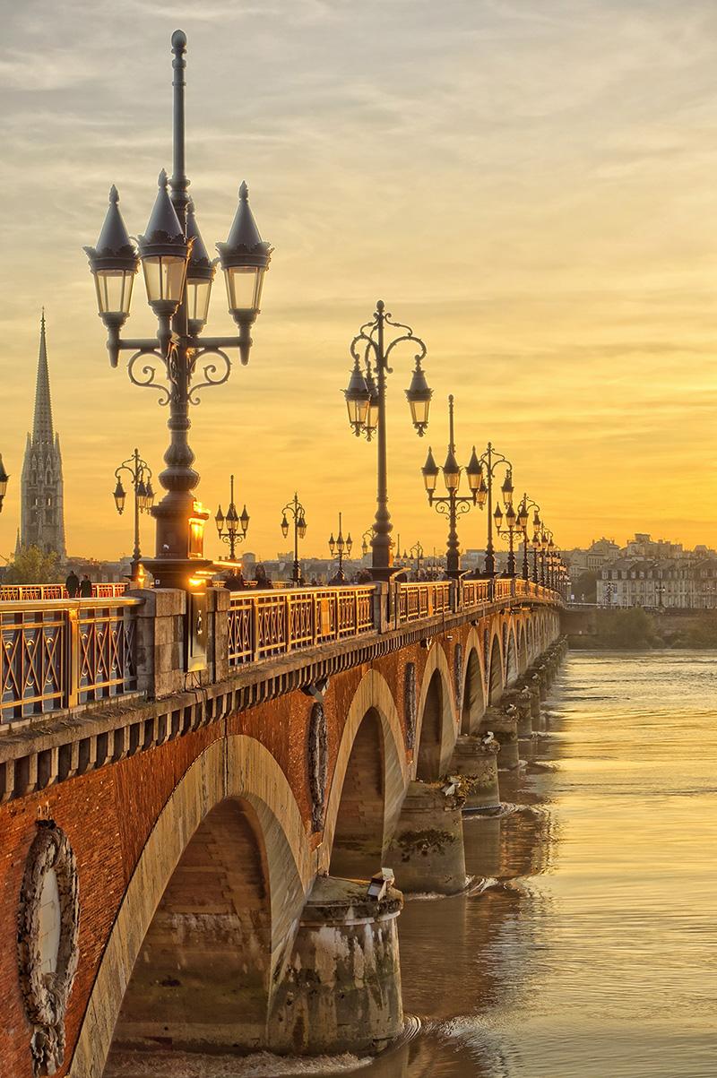 Vue d'un pont à Bordeaux