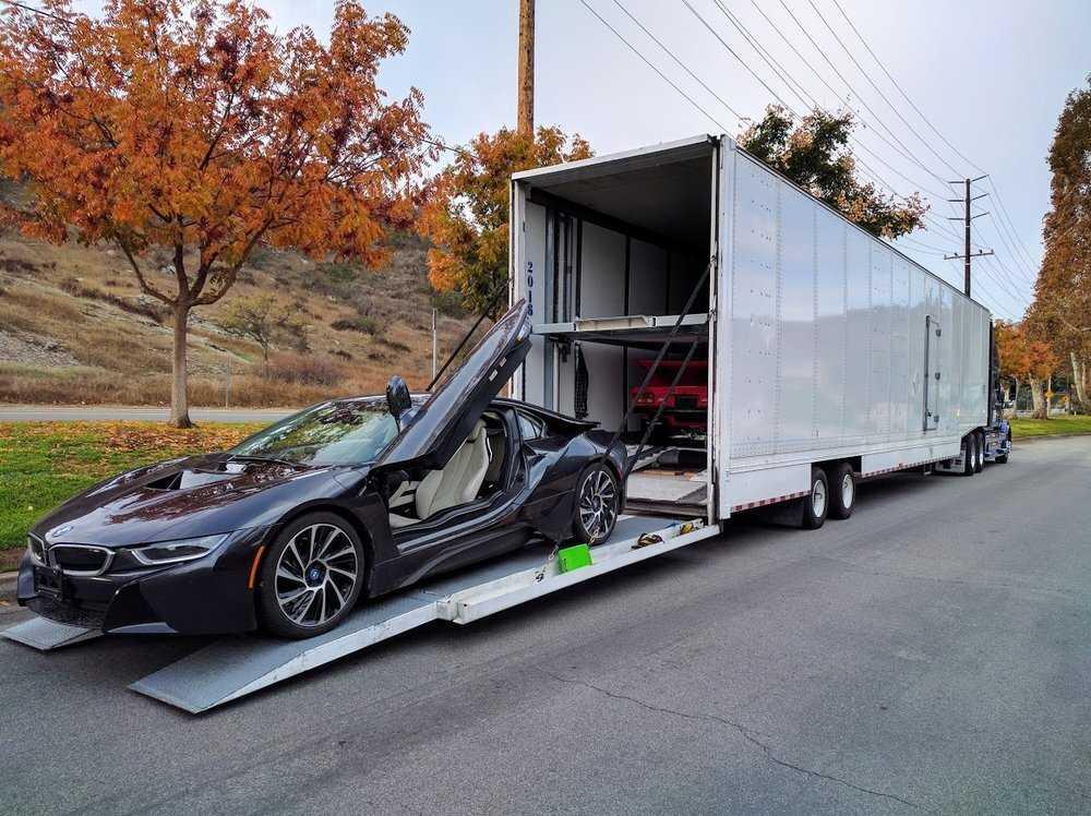 Enclosed trailer car shipping in Boston