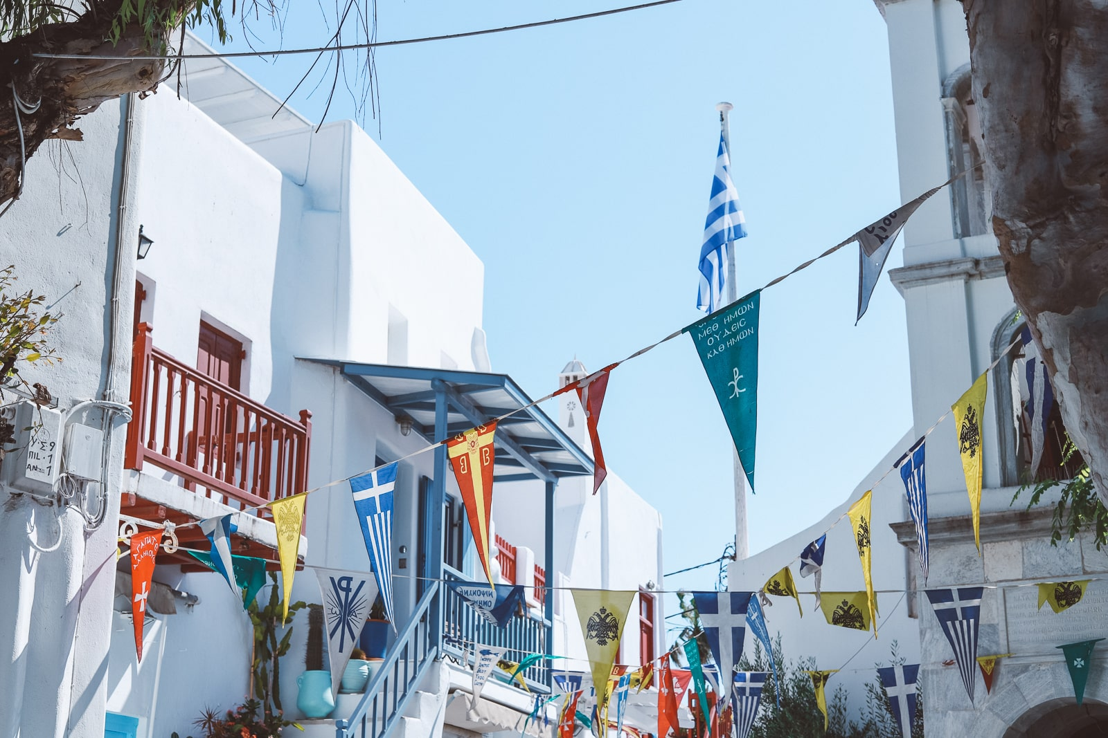 what's the best time to visit Greece? If you are wondering whether it's going to be too cold, hot, or busy for the dates you are thinking of visiting Greece, this article is for you!
