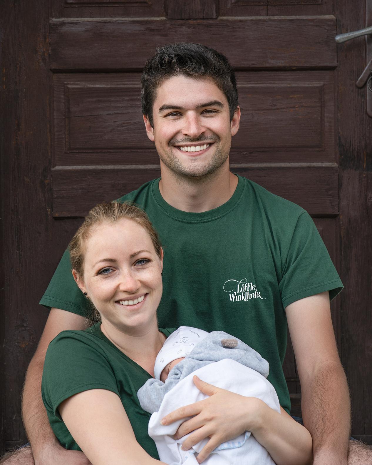 Portrait Familie. Pirmin Winklhofer mit seiner Frau Karin Löffler und Tochter Maria Ulla.