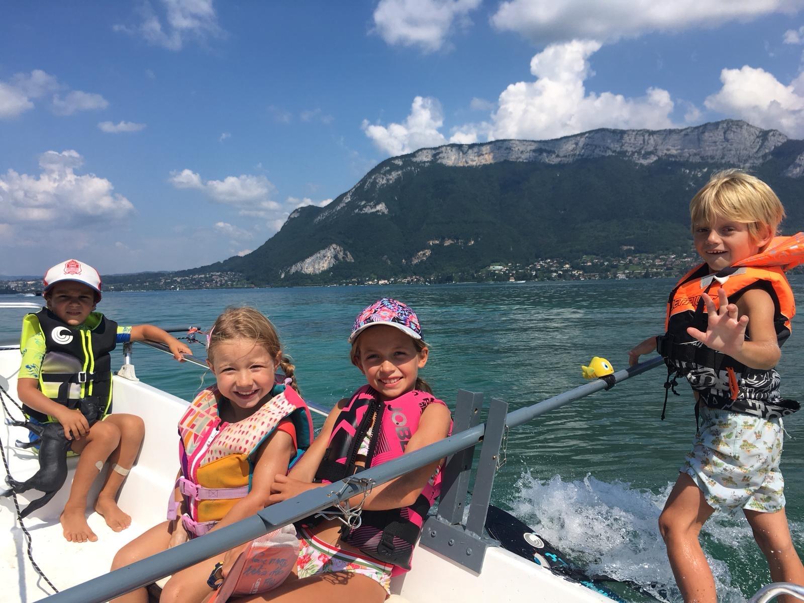Baby Ski Nautique sur le Lac d'Annecy