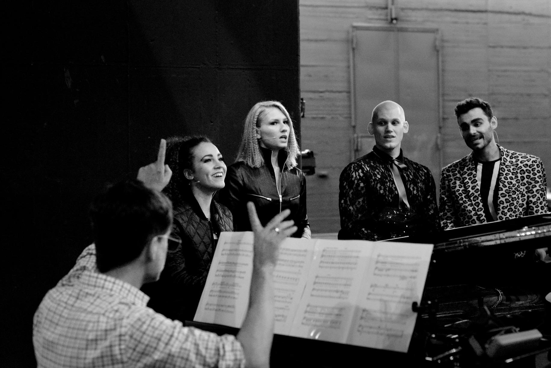 Nicola & other singers practicing