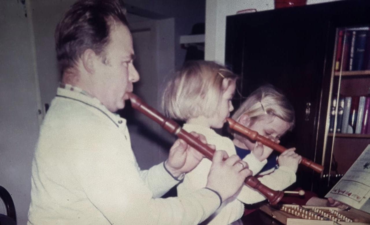 Schon in der Kindheit spielte die Gründerin des WBE gemeinsam mit ihrem Vater Blockflöte.