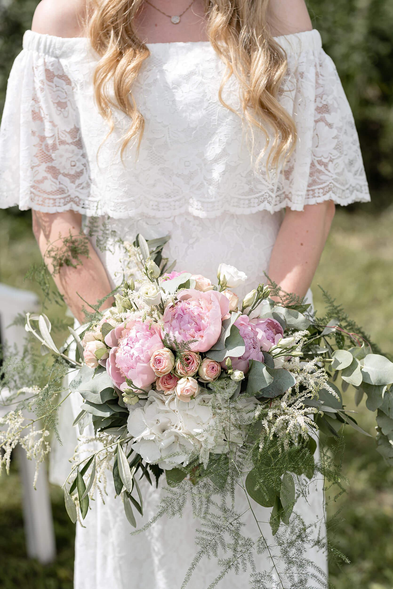 Hochzeitsfoto Braut mit Brautstrauss