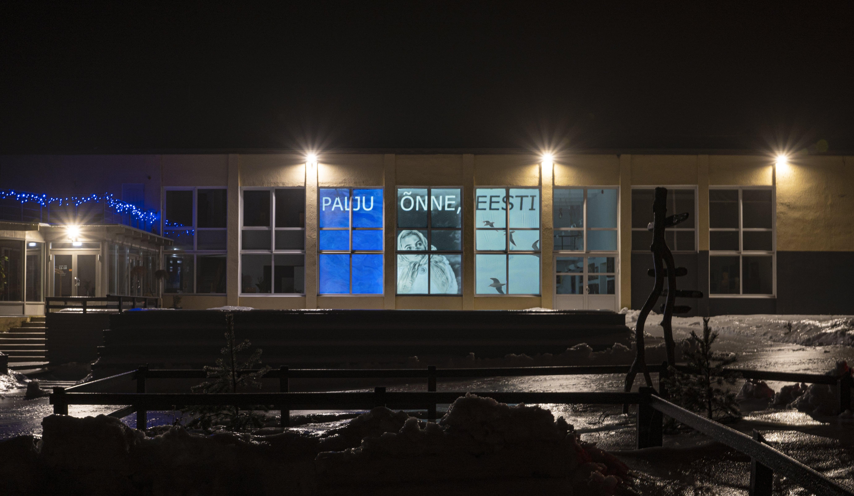 Vabariigi aastapäeval süttib kunstimuuseum sini-must-valgeks