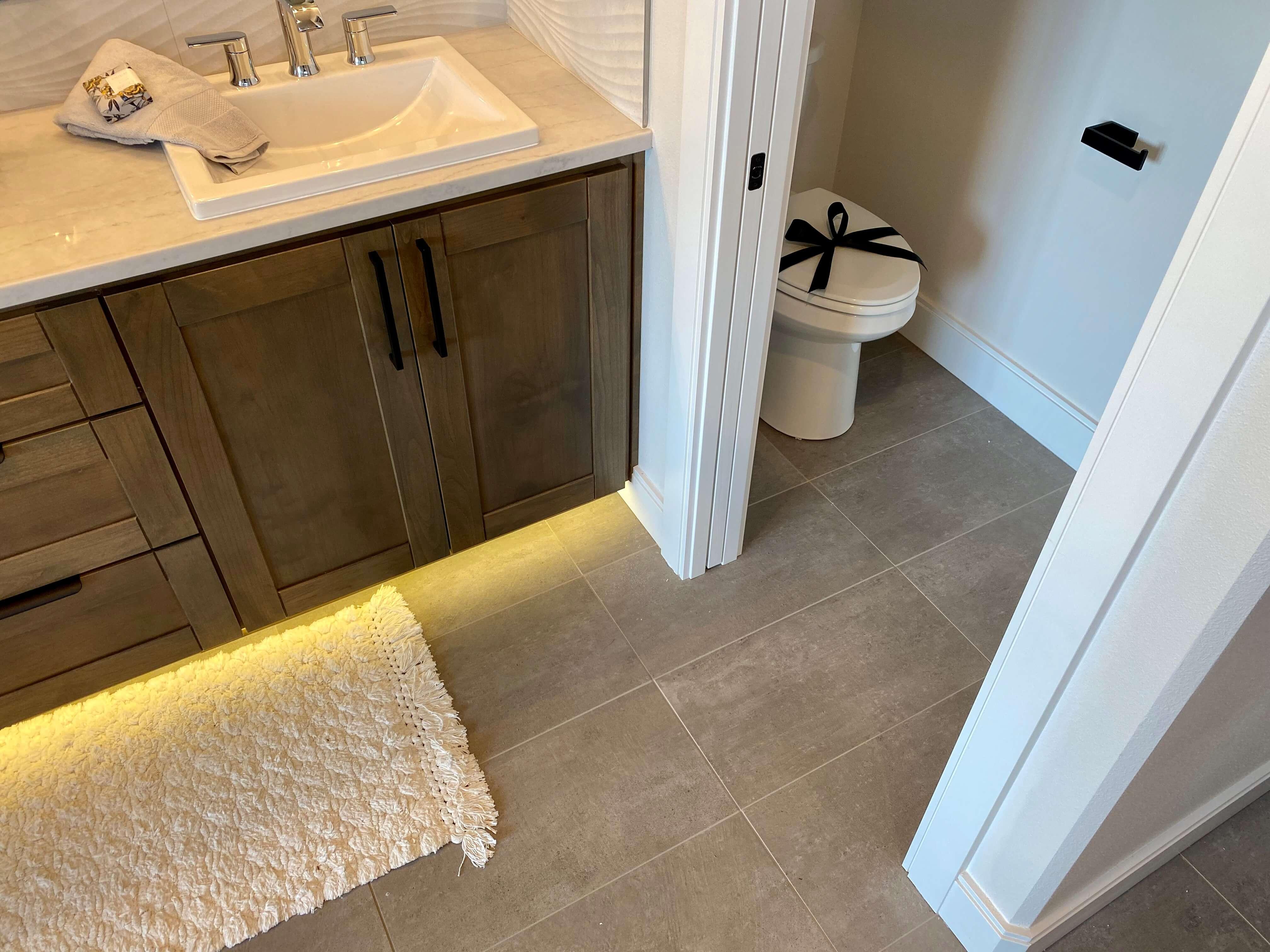 tile bathroom floors