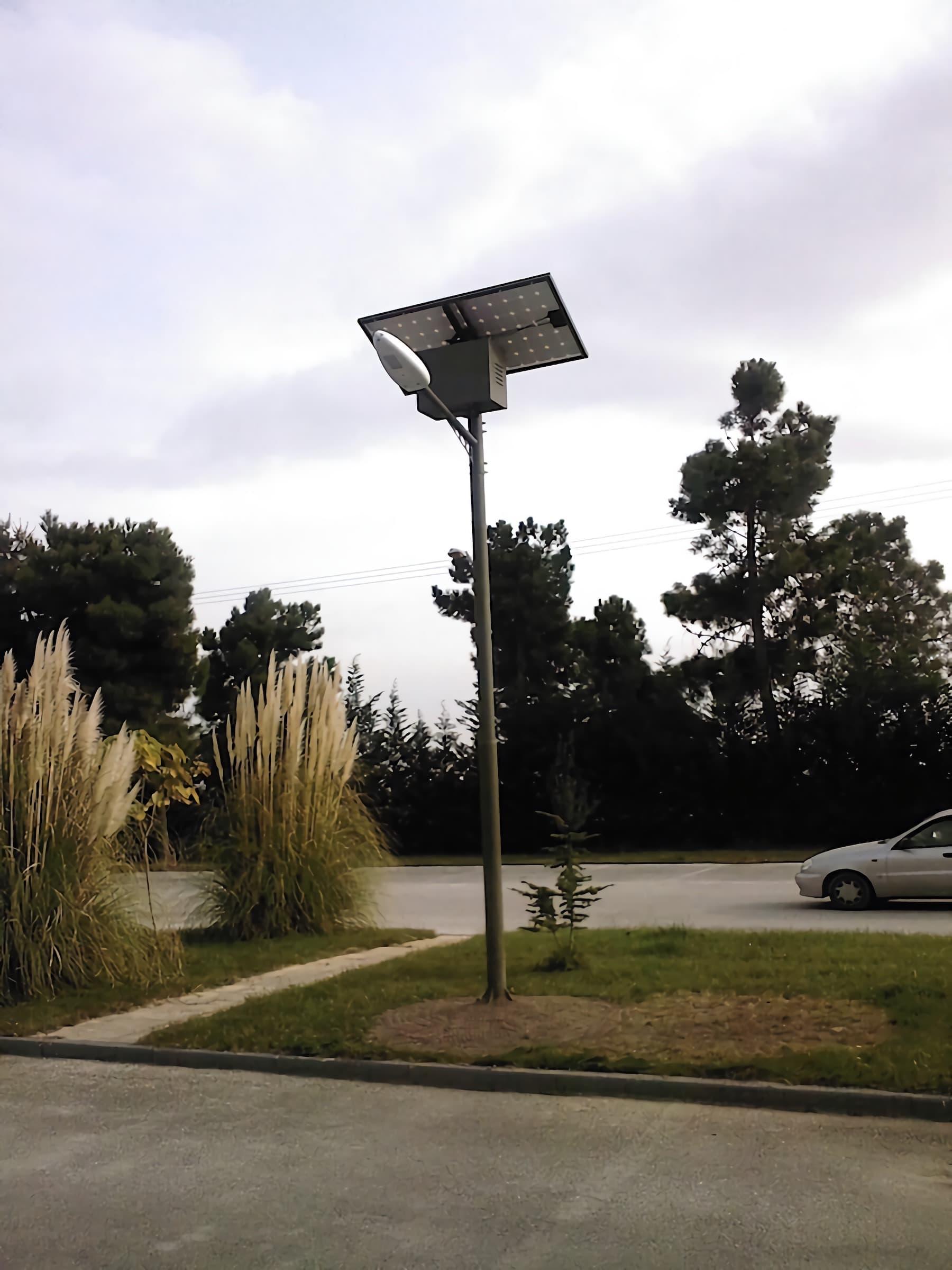solar-street-light-split-type-35-watts-system-installation-in-Nigeria