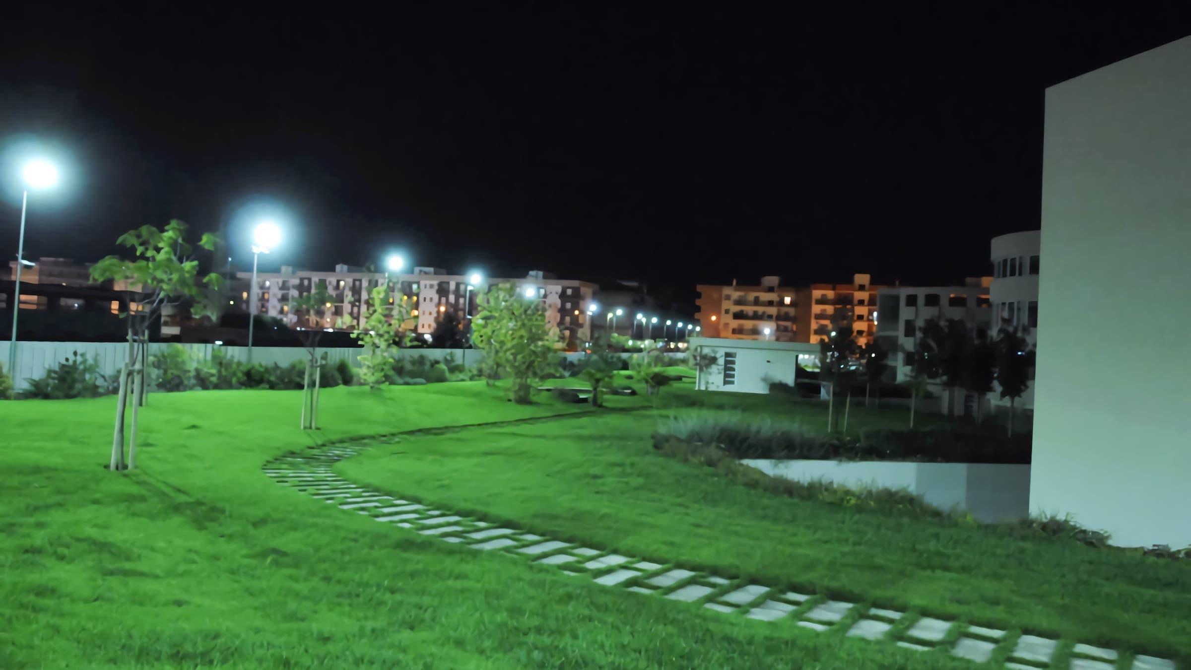 led-street-lights-installation-in-Italy