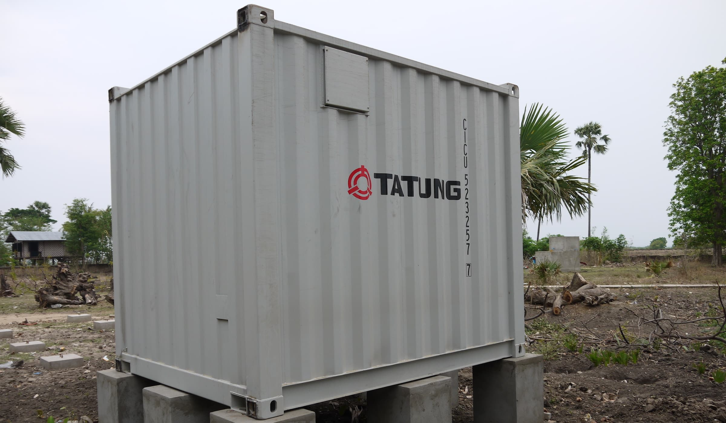 solar-power-system-in-container-house
