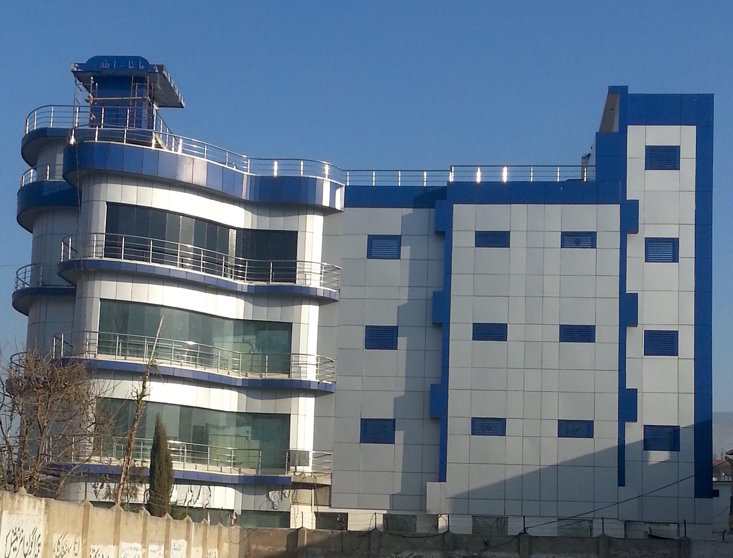 solar-powered-hospital-building