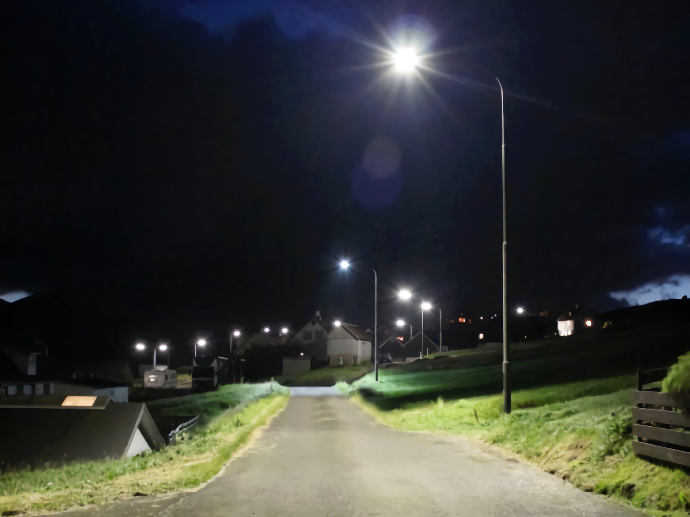 led-street-lights-provides-bright-light-in-the-villiage-of-Faroe-islands