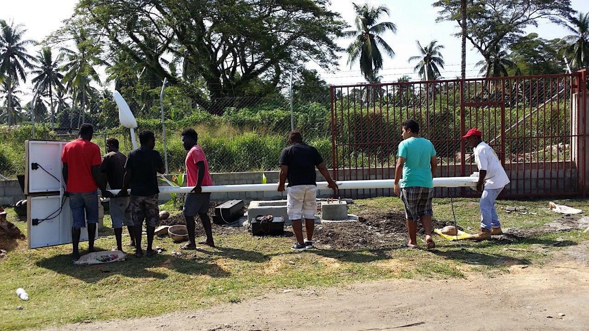 Solar street lights are an affordable solution for lighting both urban and rural communities anywhere in the world. In Honiara, the capital city of the Solomon Islands, ANETHIC installed the 35 watts solar street lights in the beautiful and tropical city.