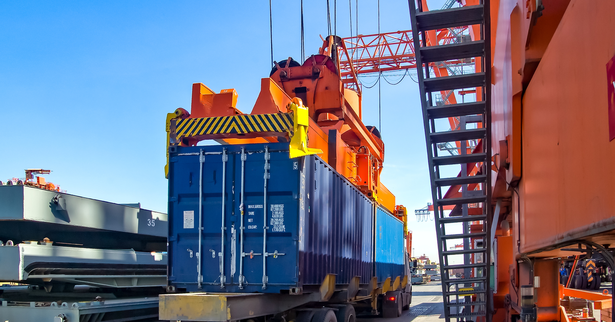 Finding actionable ways to reduce the risk for detention and demurrage charges can be difficult. Learn five tips to make avoiding these charges easier today.