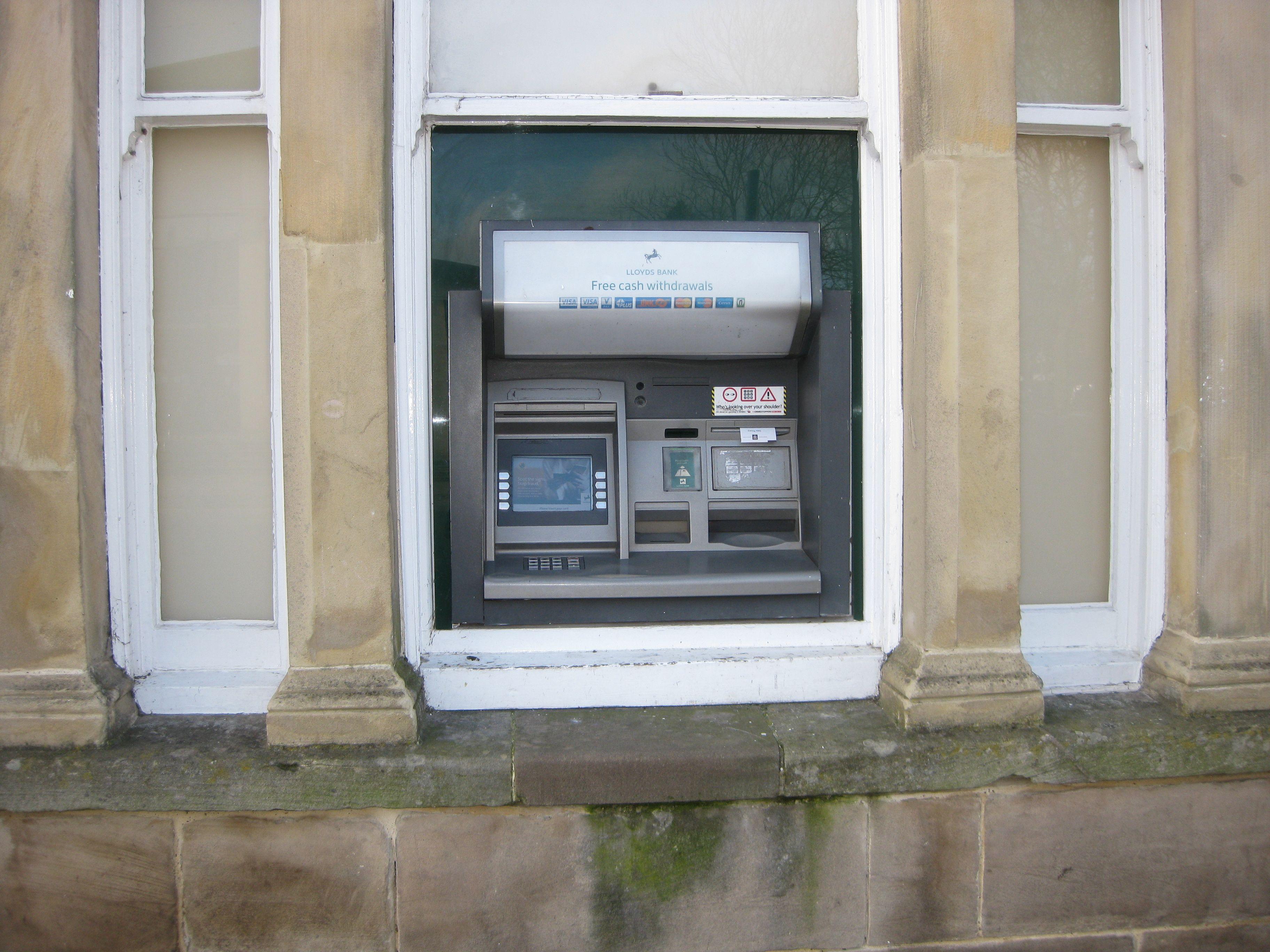Cash Machine at Lloyds