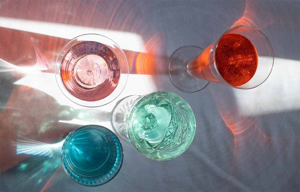 Coloured alcoholic beverages