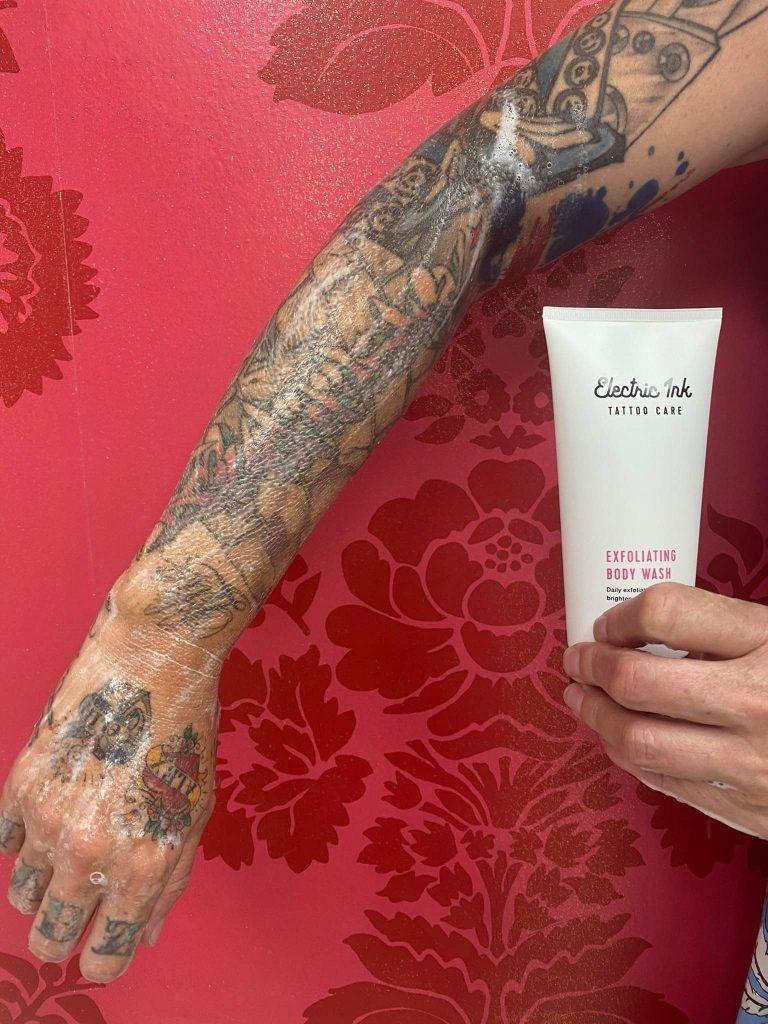 Tattoo-sleeve-using-exfoliating-body-wash