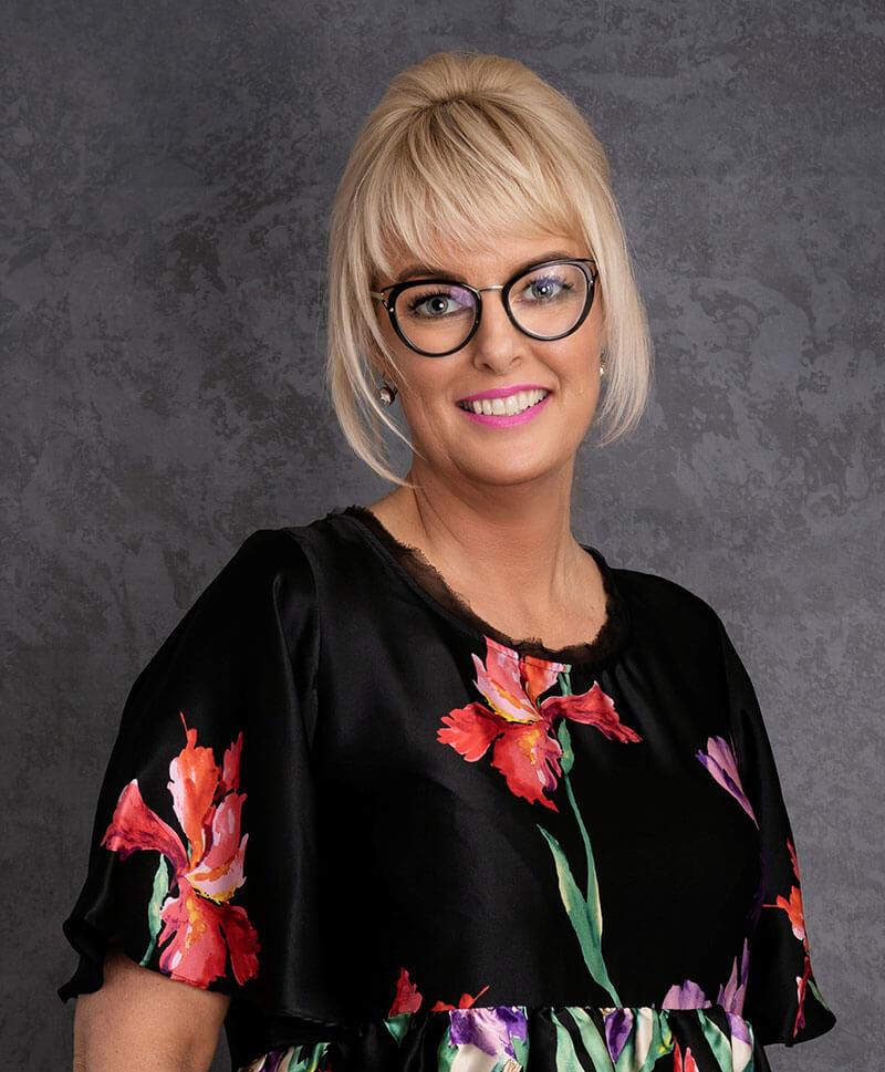 Vicki Ogden O'Fee - V for Hair & Beauty