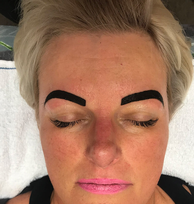 Both Henna Brows applied.