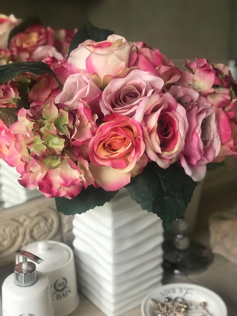 Roses V for hair and beauty, Merivale