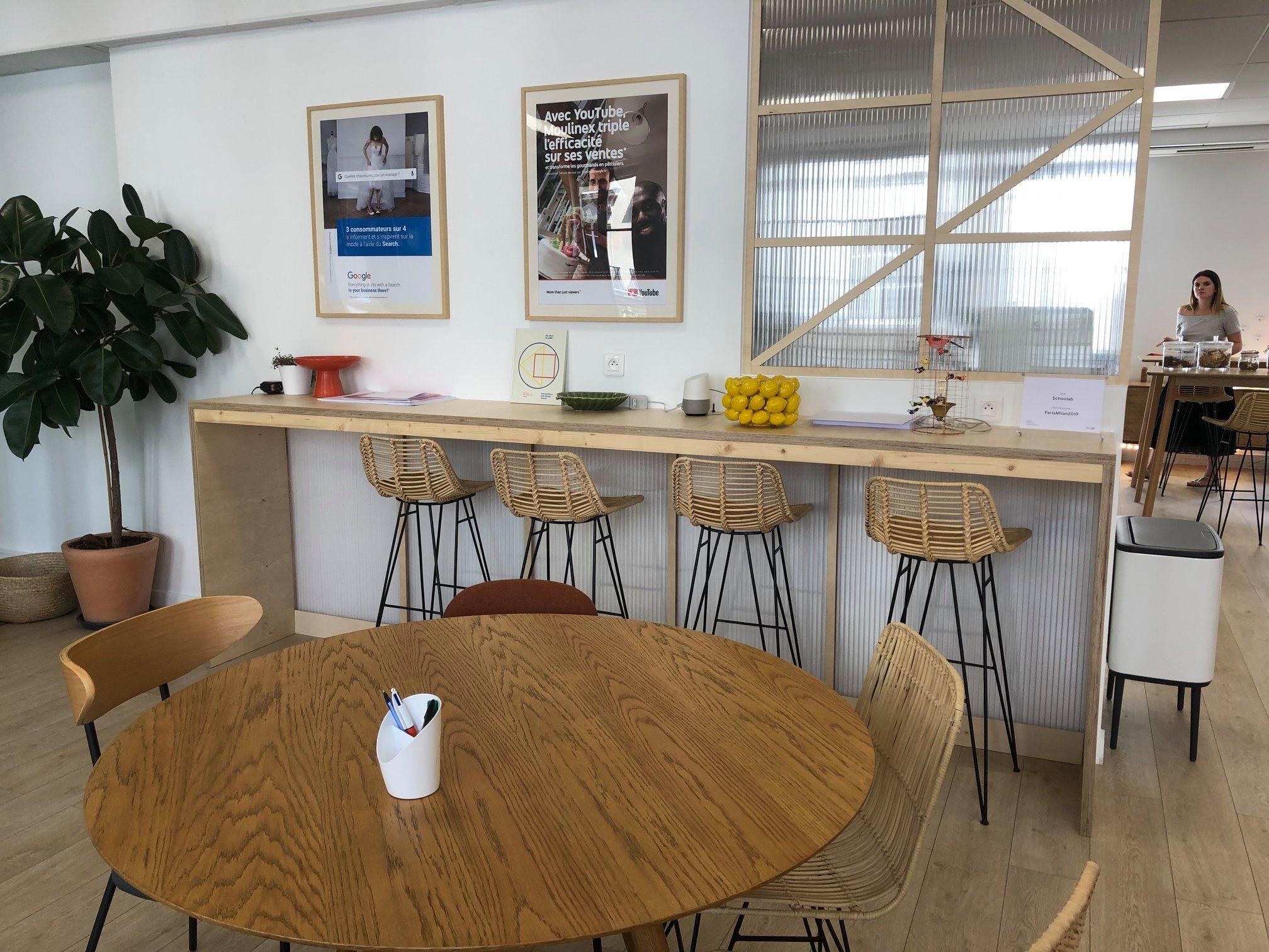 Aménagement School Bar et espace de travail School Lab Studio Trigone